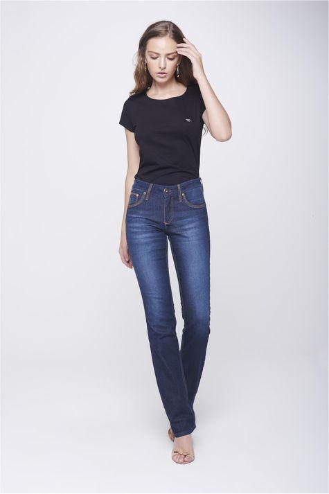 Calca-Jeans-Reta-com-Detalhes-nos-Bolsos-Frente--