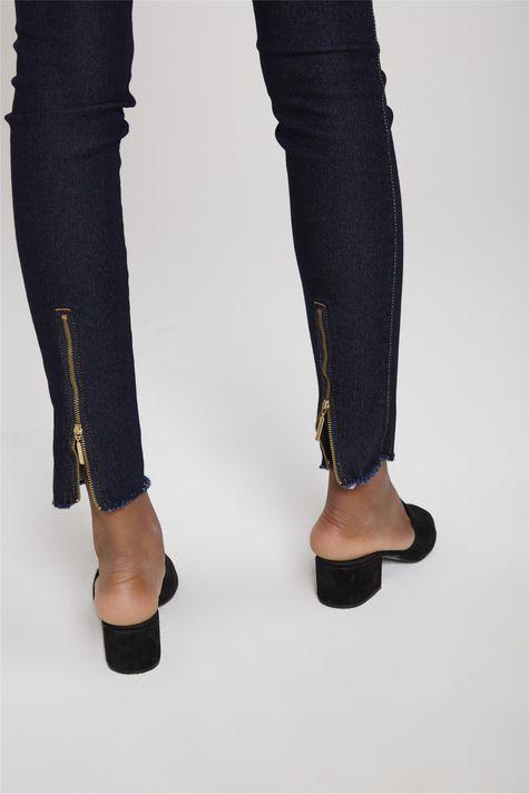 Calca-Cigarrete-Jeans-com-Ziper-na-Barra-Detalhe--