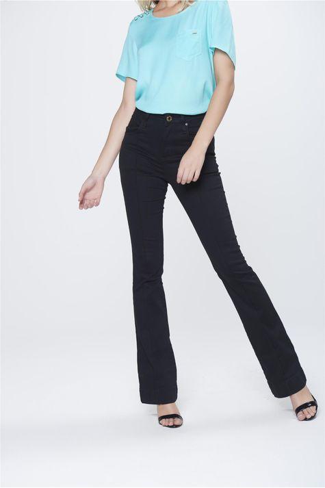 Calca-Boot-Cut-Jeans-Preta-Cintura-Alta-Frente-1--