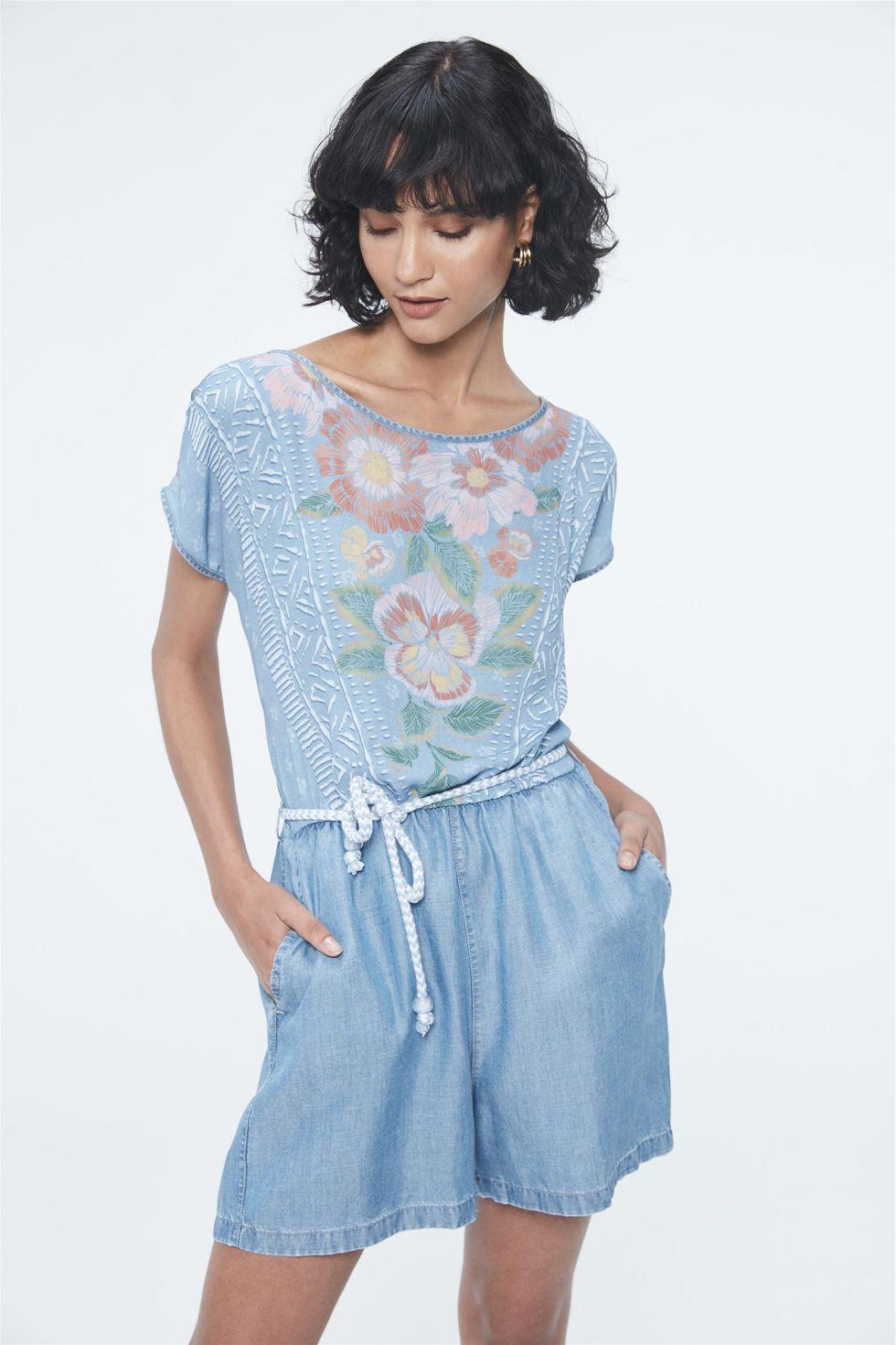 Macacao-Jeans-Curto-com-Estampa-Floral-Frente--