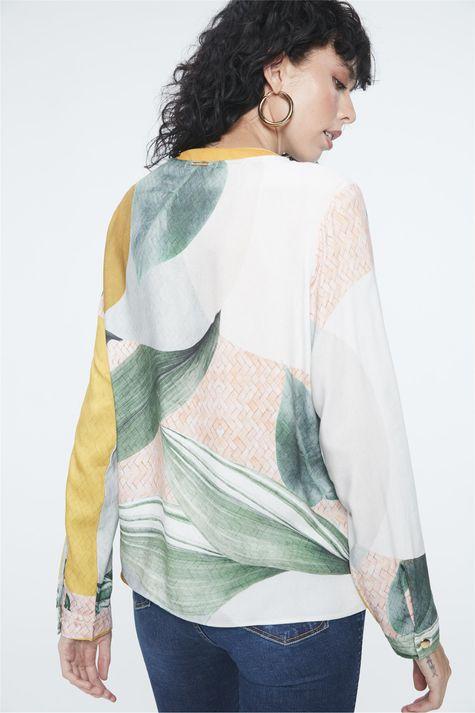 Camisa-Estampa-Geometrica-e-Folhagens-Costas--