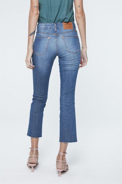 Calca-Jeans-Azul-Escuro-Reta-Cropped-Detalhe--