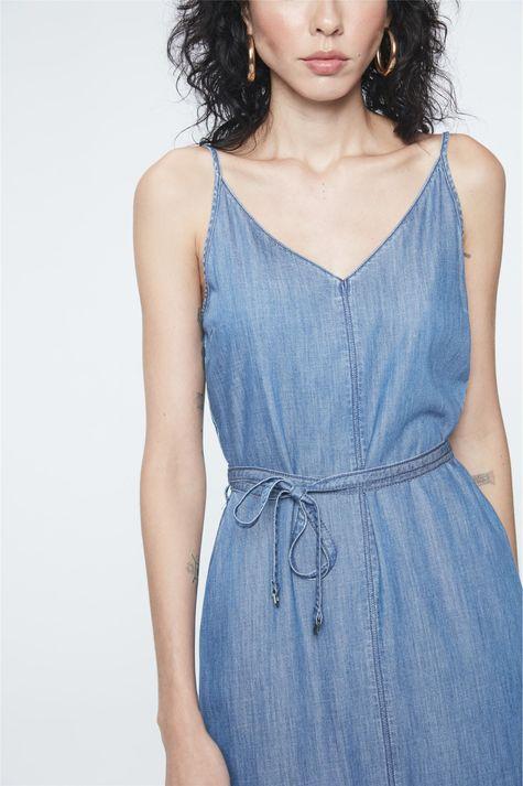 Vestido-Jeans-Midi-com-Fenda-e-Amarracao-Detalhe--