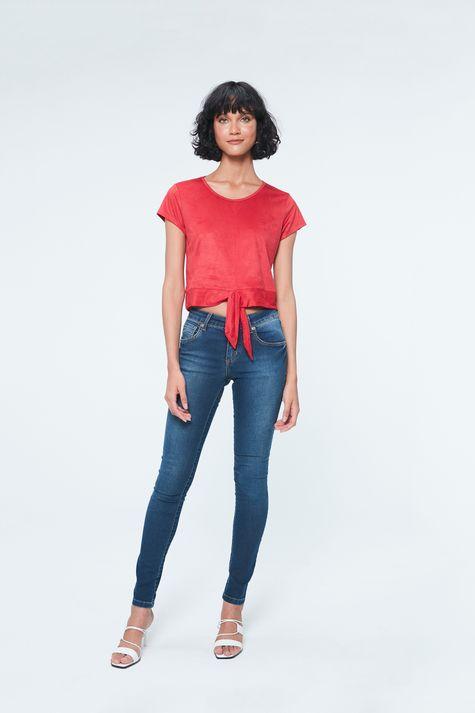 Camiseta-com-Amarracao-na-Barra-de-Suede-Detalhe-1--