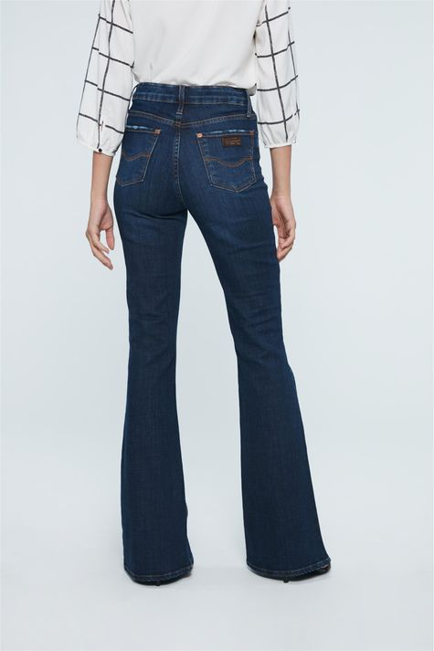 Calca-Jeans-Cintura-Super-Alta-Boot-Cut-Detalhe--