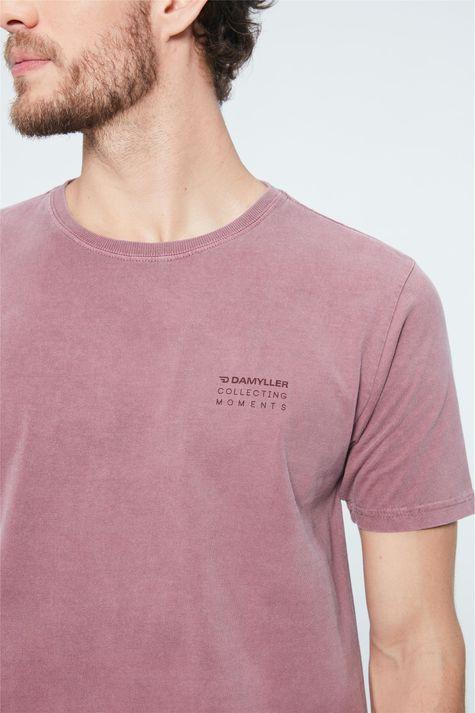 Camiseta-com-Estampa-Collecting-Moments-Frente--