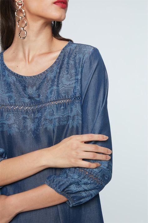 Vestido-Medio-Jeans-com-Estampa-Etnica-Detalhe--