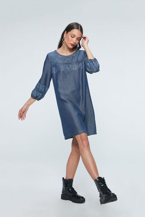 Vestido-Medio-Jeans-com-Estampa-Etnica-Detalhe-1--
