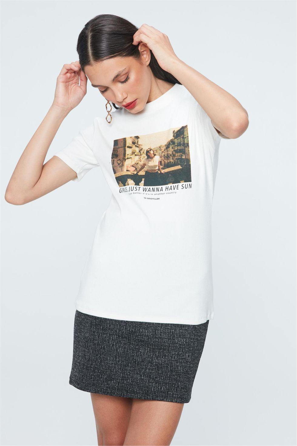 Camiseta-com-Estampa-Girls-Just-Wanna-Frente--