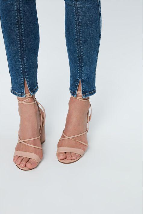 Calca-Jeans-Jegging-Cropped-com-Recorte-Detalhe-2--