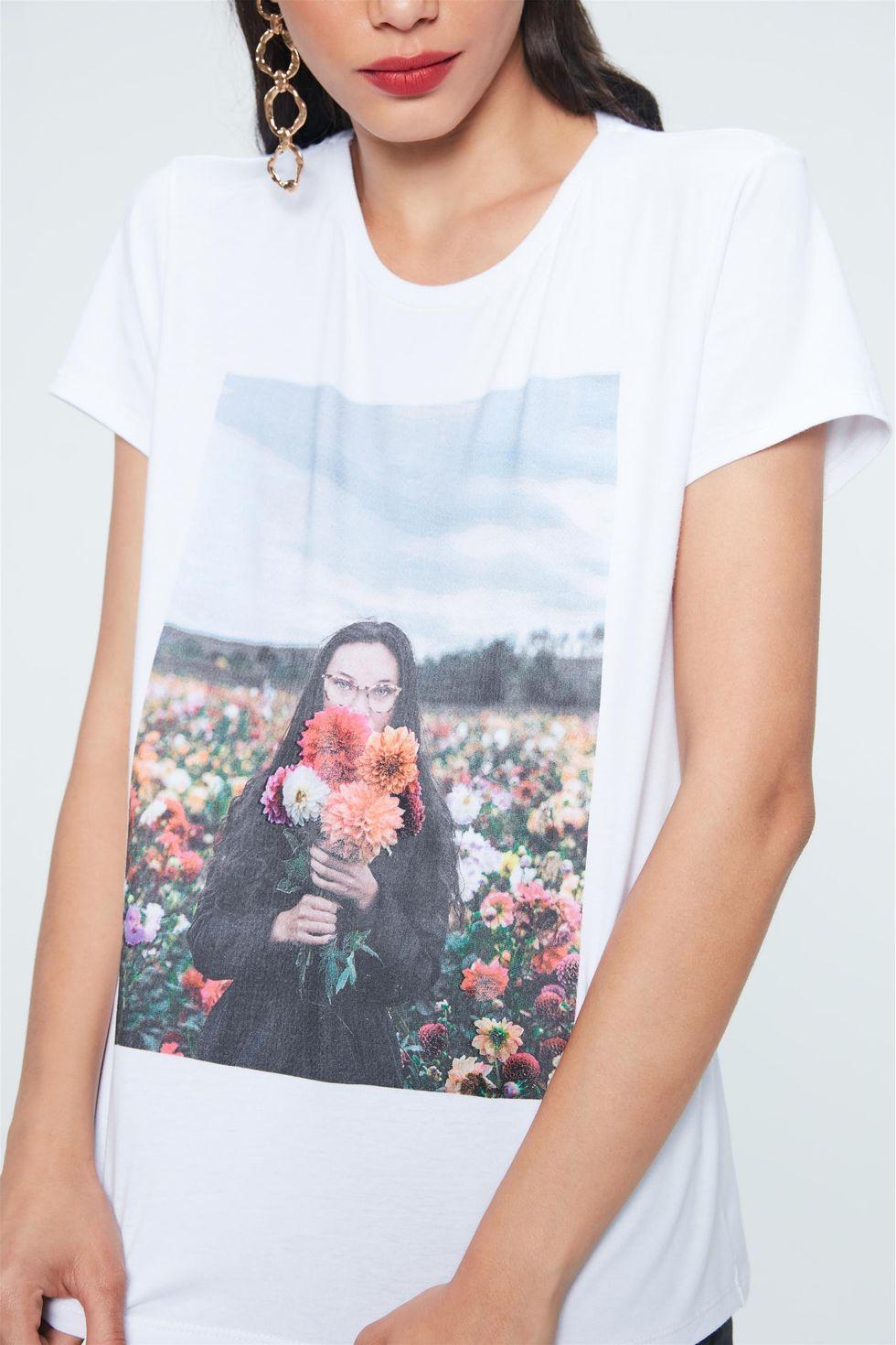 Camiseta-com-Estampa-de-Fotografia-Frente--