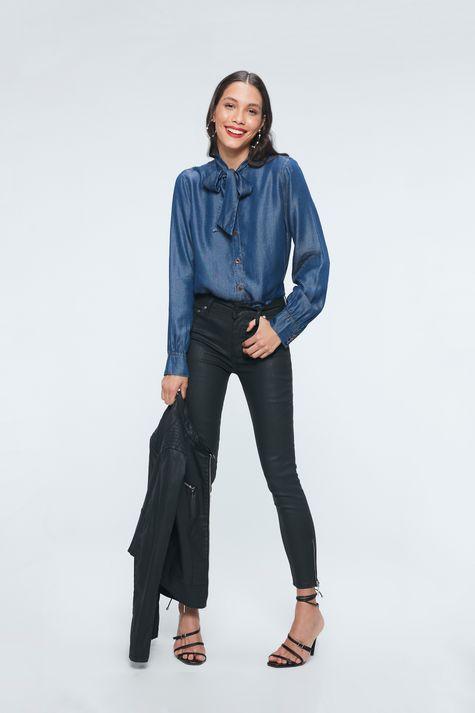 Camisa-Jeans-com-Gola-Laco-Feminina-Detalhe-1--
