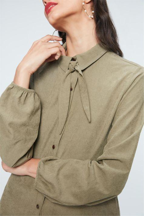 Camisa-com-Mangas-Bufantes-Feminina-Detalhe--