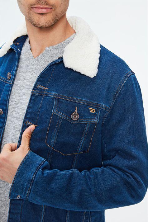 Jaqueta-Jeans-com-Gola-de-Pelo-Masculina-Detalhe-1--