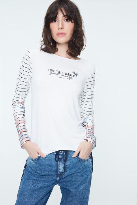 Camiseta-com-Estampa-Give-This-World-Detalhe--