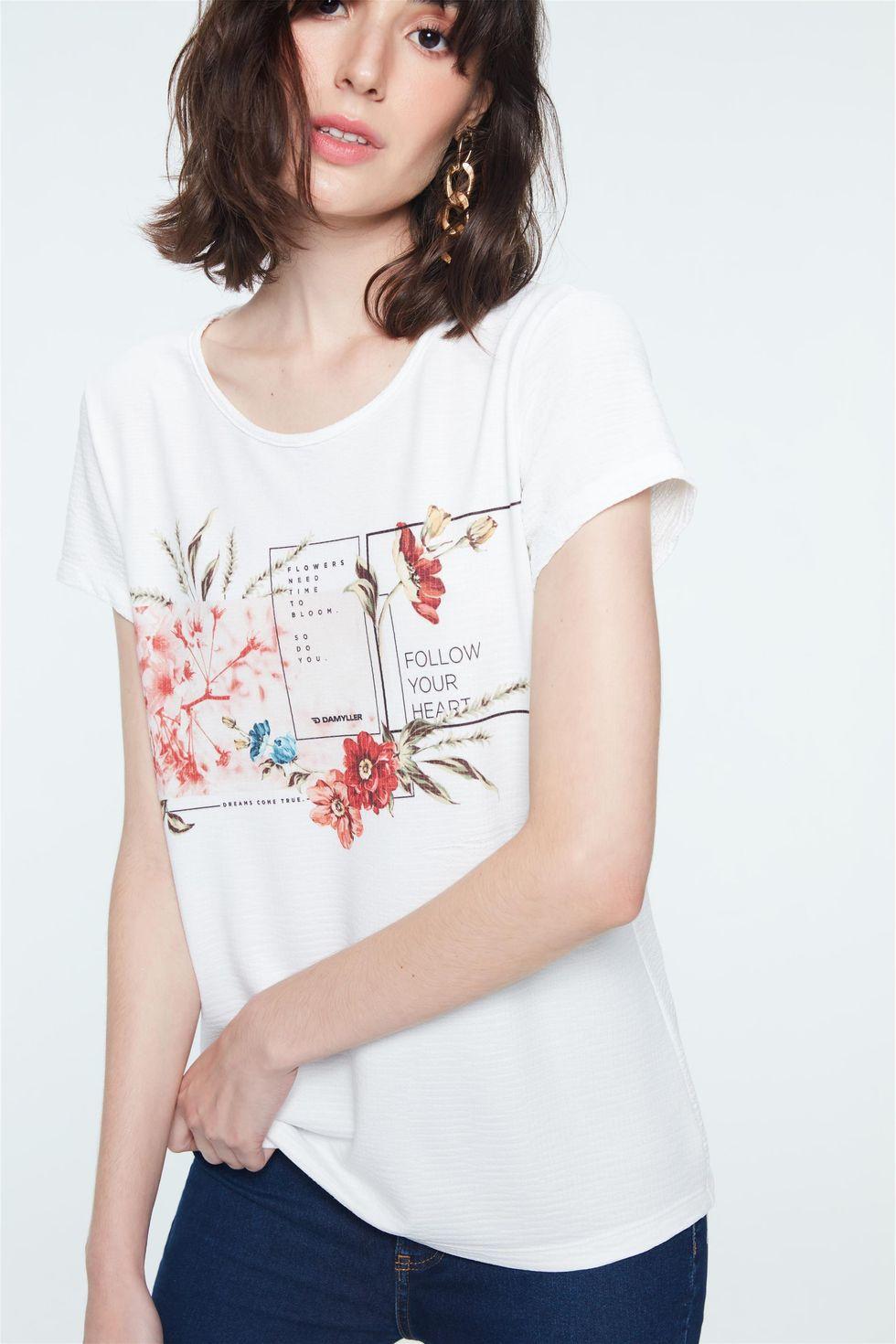 Camiseta-com-Estampa-Follow-Your-Heart-Frente--