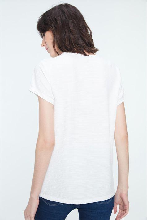 Camiseta-com-Estampa-Follow-Your-Heart-Costas--