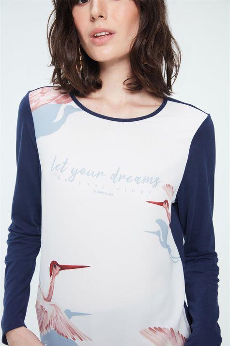 Blusa-com-Estampa-Let-Your-Dreams-Detalhe--