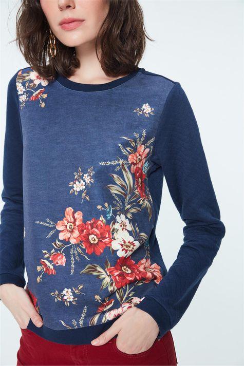Moletom-com-Estampa-Floral-Feminino-Detalhe--