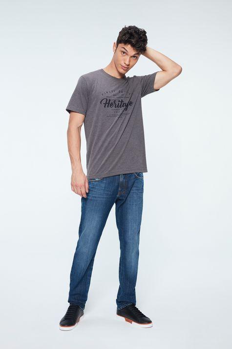 Camiseta-com-Estampa-Heritage-Masculina-Detalhe-1--
