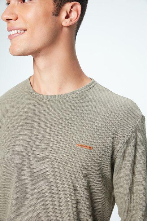 Camiseta-Manga-Longa-de-Trico-Masculina-Detalhe--