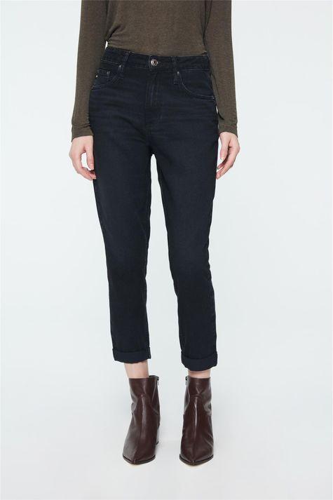 Calca-Mom-Jeans-Preta-Feminina-Detalhe--