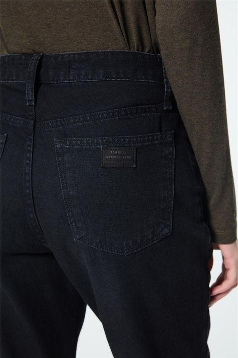 Calca-Mom-Jeans-Preta-Feminina-Detalhe-1--