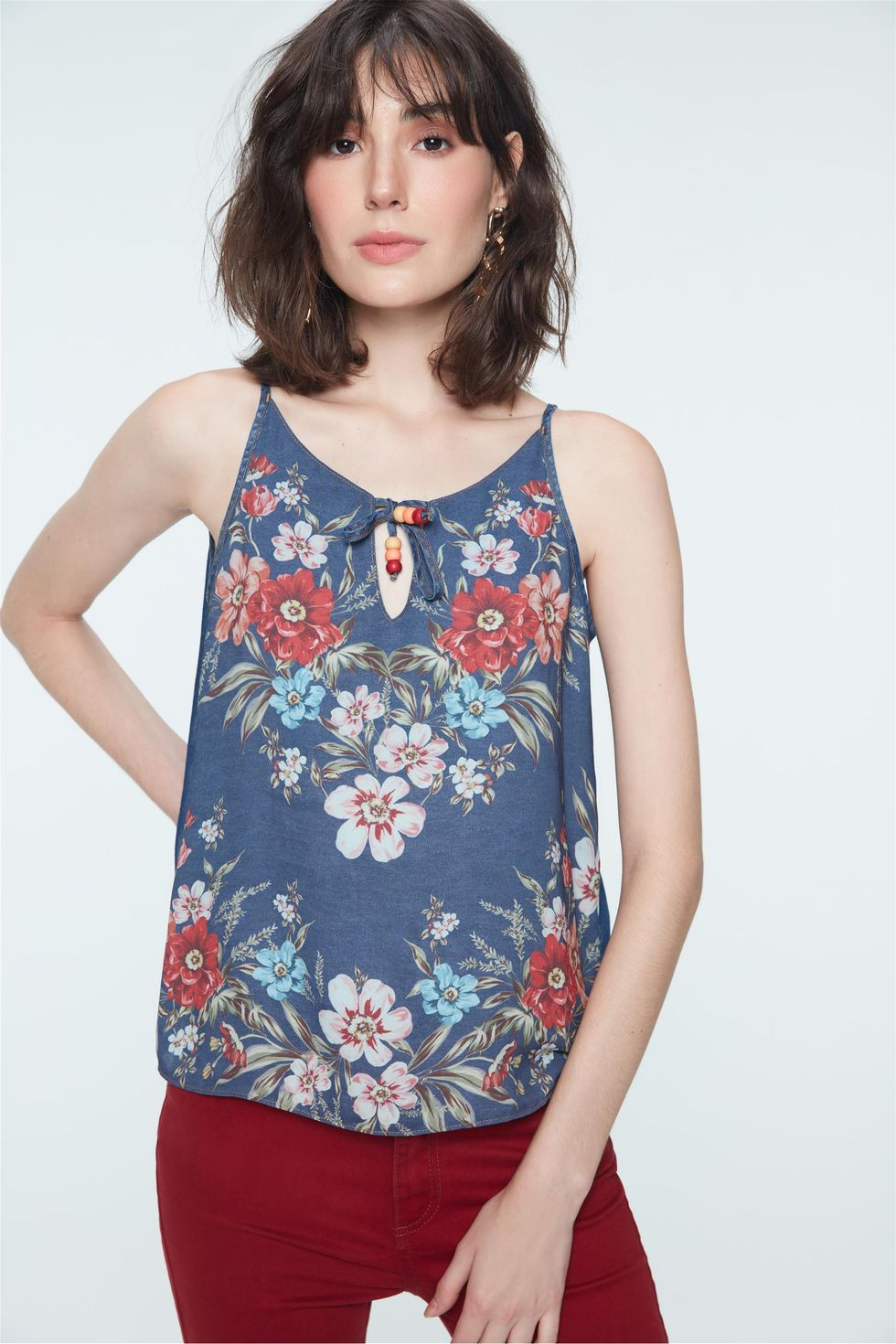 Regata-Jeans-com-Estampa-Floral-Frente--