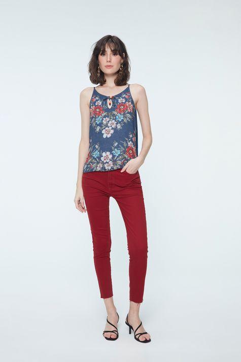 Regata-Jeans-com-Estampa-Floral-Detalhe-1--