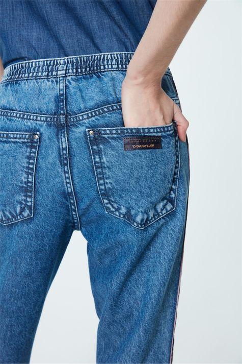 Calca-Jeans-Jogger-com-Recortes-Feminina-Detalhe-1--