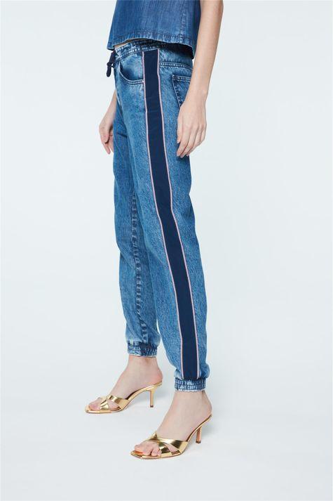 Calca-Jeans-Jogger-com-Recortes-Feminina-Frente--