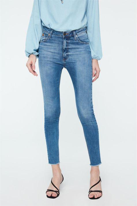 Calca-Jeans-Azul-Claro-Jegging-Cropped-Detalhe--