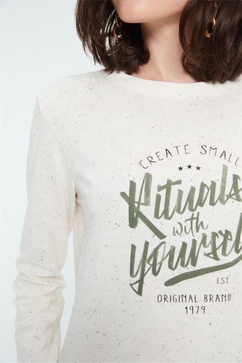 Camiseta-Estampa-Rituals-With-Yourself-Detalhe--