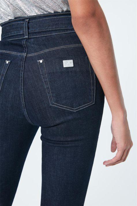 Calca-Jeans-Boot-Cut-Cintura-Super-Alta-Detalhe-1--