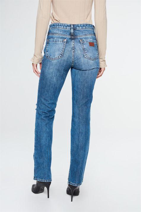Calca-Jeans-Reta-Cintura-Alta-com-Fendas-Detalhe--
