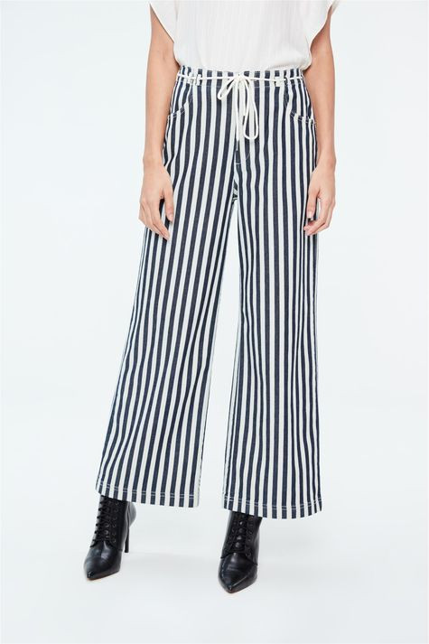 Calca-Jeans-Pantalona-Cropped-Listrada-Detalhe--