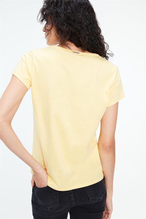 Camiseta-com-Estampa-e-Termocolantes-Costas--