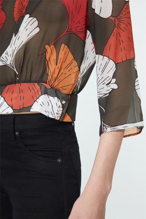 Blusa-com-Transparencia-Estampada-Detalhe-1--