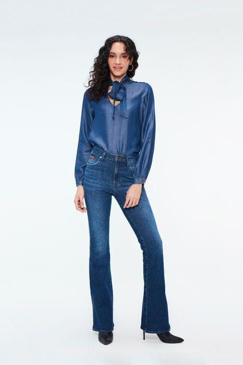 Calca-Jeans-Escuro-Boot-Cut-Cintura-Alta-Detalhe-2--