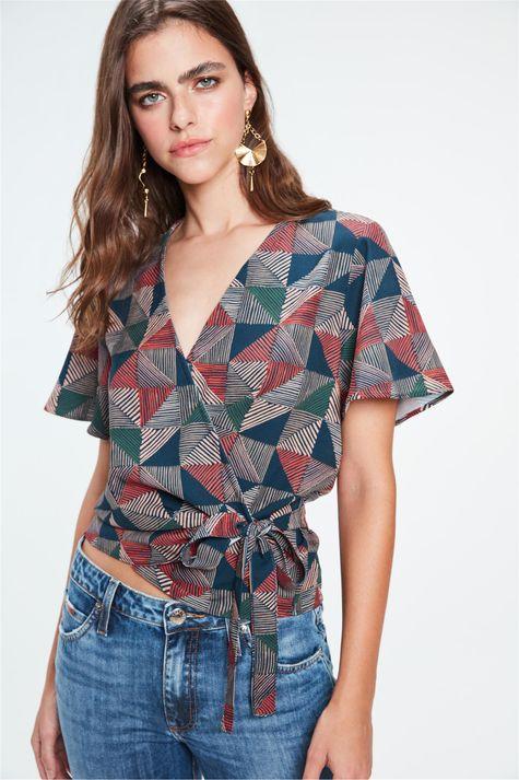 Blusa-Transpassada-de-Estampa-Geometrica-Frente--