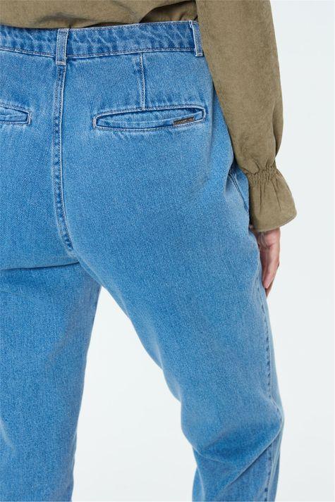 Calca-Jeans-Pleated-Feminina-Detalhe-1--