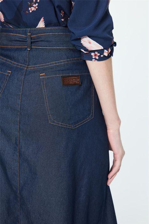 Saia-Jeans-Midi-com-Fenda-e-Amarracao-Detalhe-1--