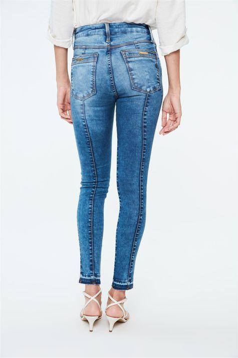 Calca-Jeans-Jegging-com-Barra-Desfeita-Costas--