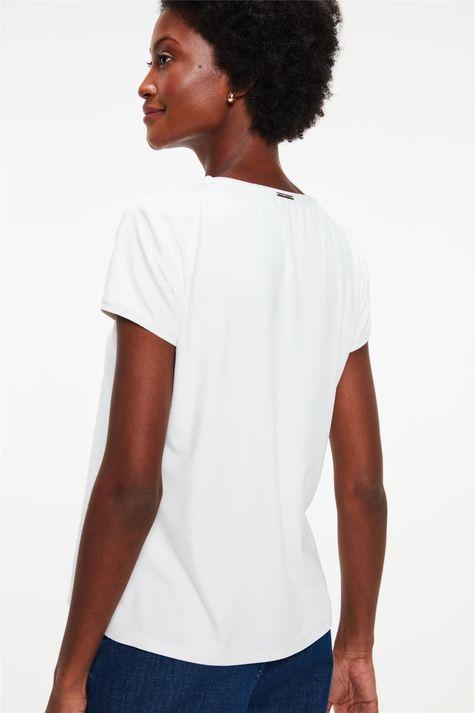 Camiseta-de-Suede-com-Estampa-Relax-Time-Detalhe--