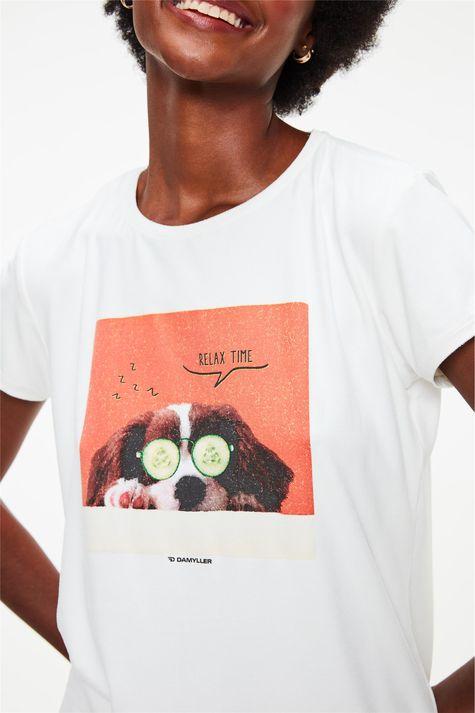 Camiseta-de-Suede-com-Estampa-Relax-Time-Detalhe-1--