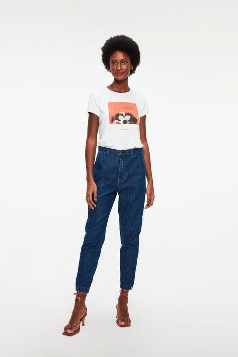 Camiseta-de-Suede-com-Estampa-Relax-Time-Detalhe-2--