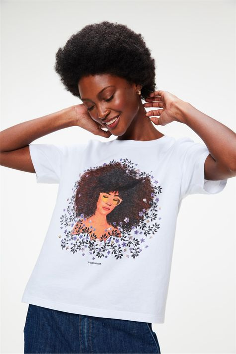 Camiseta-com-Estampa-de-Mulher-e-Flores-Frente--