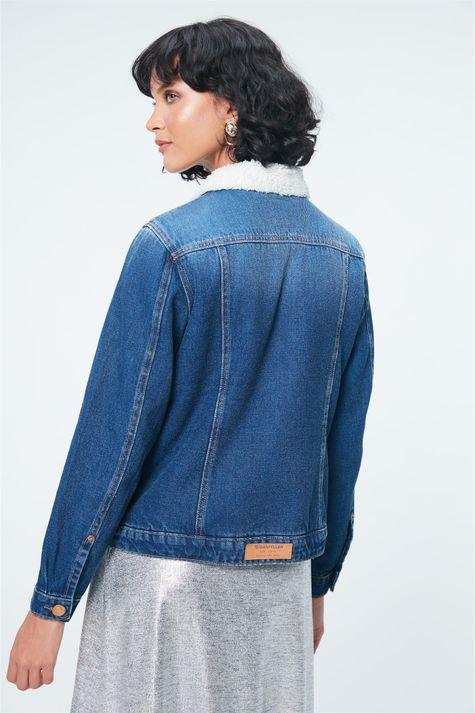 Jaqueta-Jeans-com-Pelo-Feminina-Detalhe--
