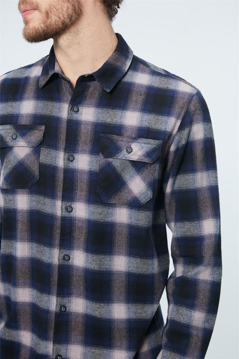 Camisa-Flanela-Xadrez-Masculina-Detalhe--