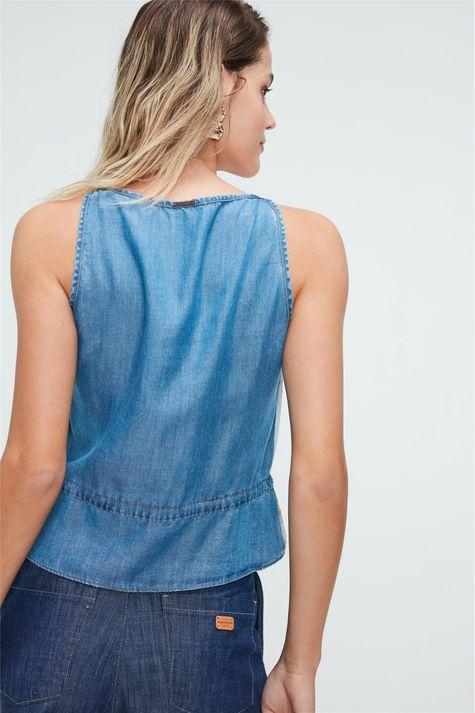 Blusa-Jeans-com-Estampa-de-Flores-Azul-Costas--